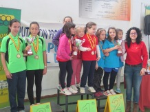 Podium equipos alevín femenino