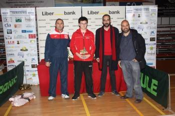 Santi Naranjo-entrega trofeos